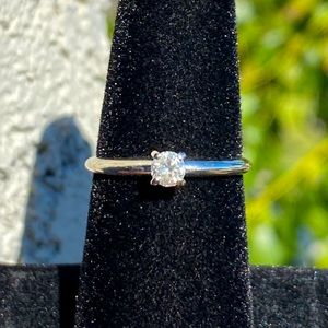14KT diamond 💎 solitaire ring 💍